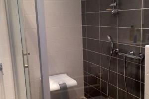 Siège de douche (modèle : Arsis | marque : Pellet)